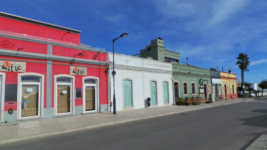 kleurrijke huizen sagres
